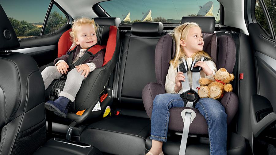 Автокресла для безопасности ребенка в дороге